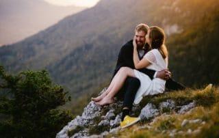 suisse montagne col de la tourne rochefort coucher de soleil couple